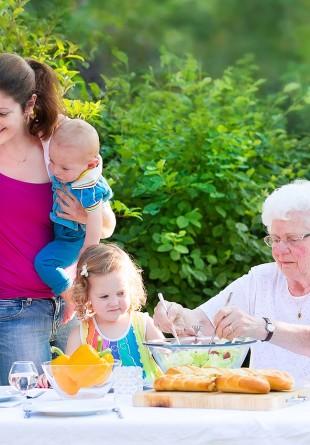 4 seturi de grădină Naturlich pentru zile însorite în familie