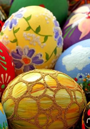 3 idei creative pentru vopsirea ouălor de Paște