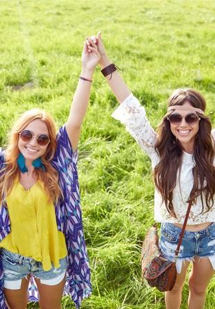 Cum ne îmbrăcăm la festivalurile verii?