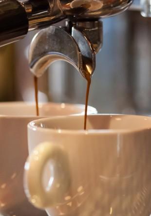 Coffee Store, locul în care cafeaua bună vine cu ceva în plus…