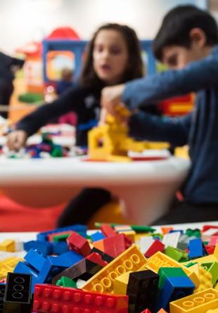 Lego - o lume mereu gata să fie descoperită